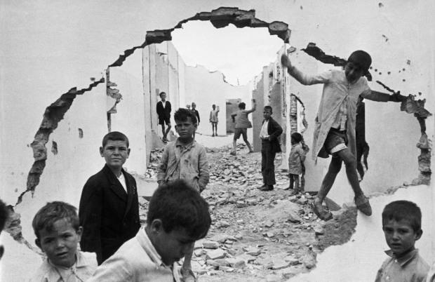 Henri-Cartier-Bresson-meninos